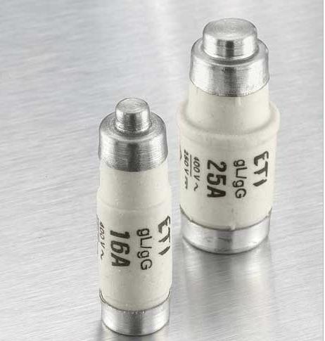 Découvrez notre large gamme de fusible et porte-fusible de la série D0.