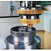 Le programme des machines à tailler par outil-pignon comprend une gamme complète jusqu'à des diamètr...